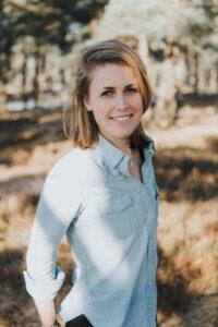 Melanie Poldervaart - Happy with Yoga